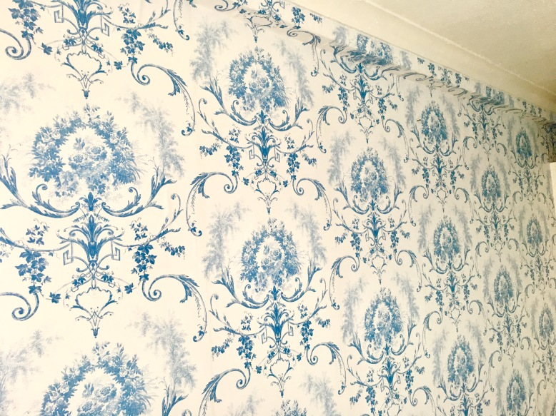 wallpapering-harve-house