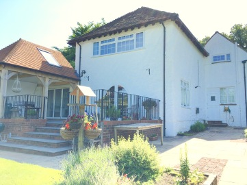 Haslemere exterior 2